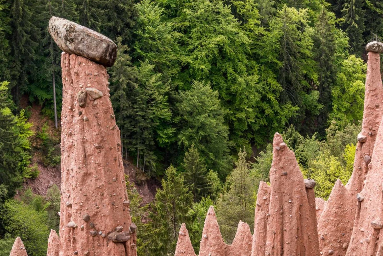 Curious witnesses of the past: the earth pyramids at Ritten