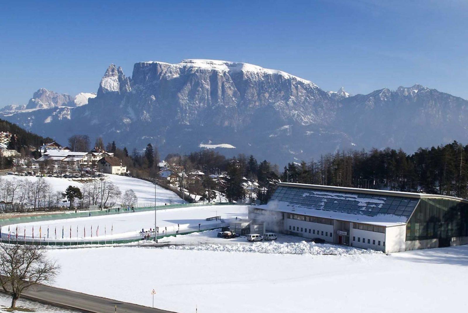 Eislaufen in seiner schönsten Form: Die Arena Ritten in Klobenstein